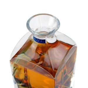 szklana karafka z grawerem na prezent dla myśliwego