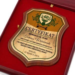 certyfikat w drewnie z nadrukiem na prezent dla myśliwego na urodziny