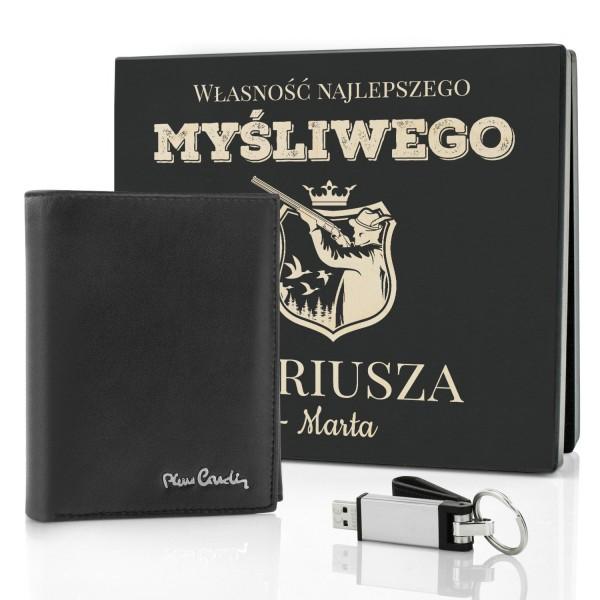 portfel i pendrive w skrzynce z dedykacją na prezent dla myśliwego