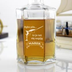 prezent dla taty wędkarza karafka do whisky z grawerem ryba piła