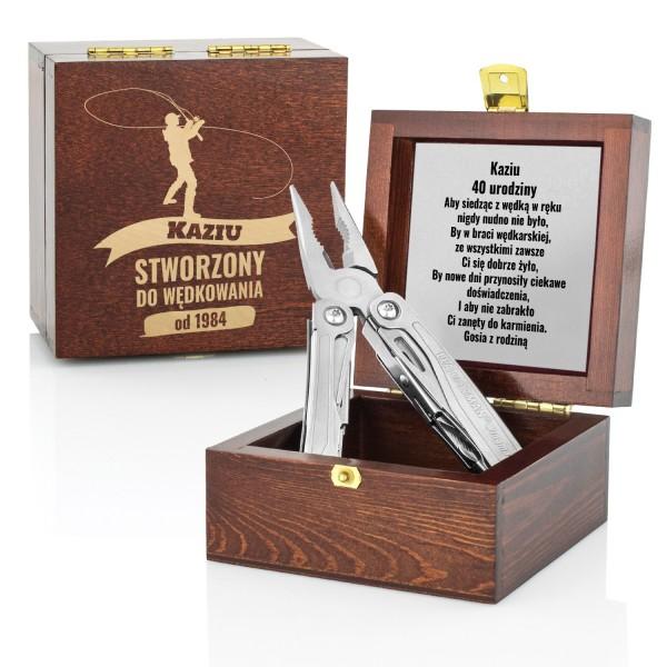 narzędzie leatherman w szkatułce z grawerem na prezent dla wędkarza na urodziny