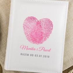 album do zdjęć z nadrukiem na oryginalny prezent na ślub serce z odcisków