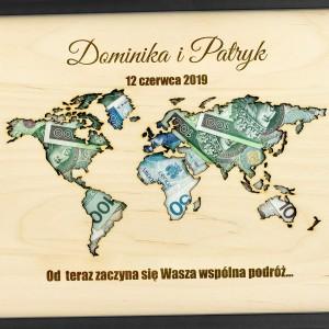 ramka ślubna z grawerem na pieniądze mapa wspólna podróż