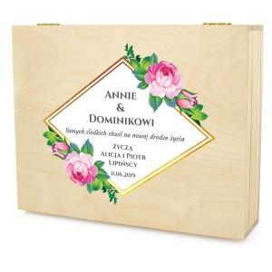 drewniane pudełko z nadrukiem dedykacji samych słodkich chwil
