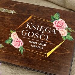 drewniana księga gości z personalizacją ślubne róże