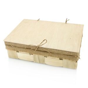drewniane pudełko na prezent dla nowożeńców