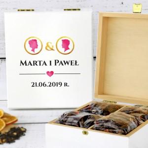zestaw herbat w pudełku z dedykacją ona & on na prezent z okazji ślubu