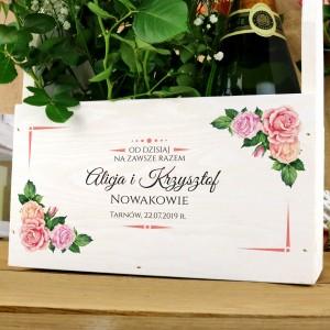 prezenty ślubne w drewnianej skrzynce z nadrukiem na zawsze razem