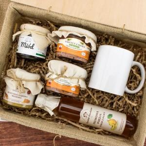 miód i syrop w zestawie z kubkiem na prezent dla teścia na urodziny