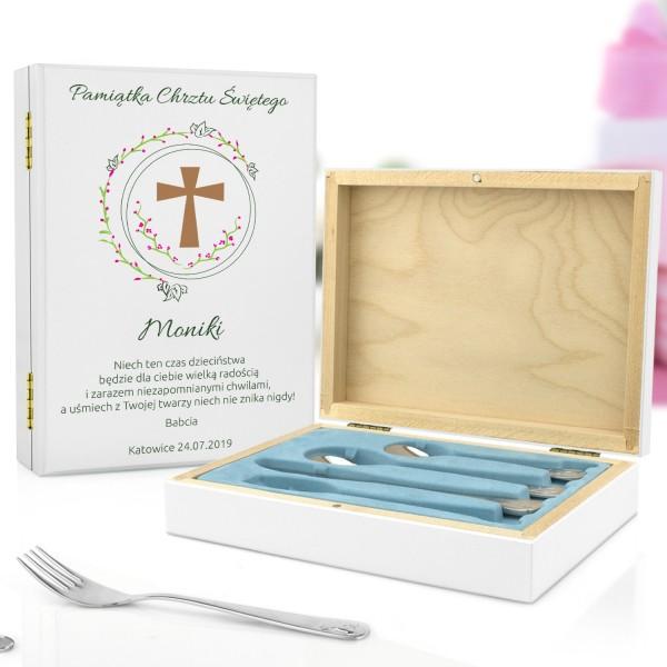 sztućce dla dzieci w drewnianym pudełku na pamiątki na chrzest kwiecisty krzyż