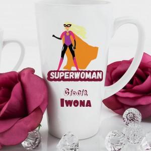 personalizowany kubek latte na pomysł na prezent dla cioci superwoman