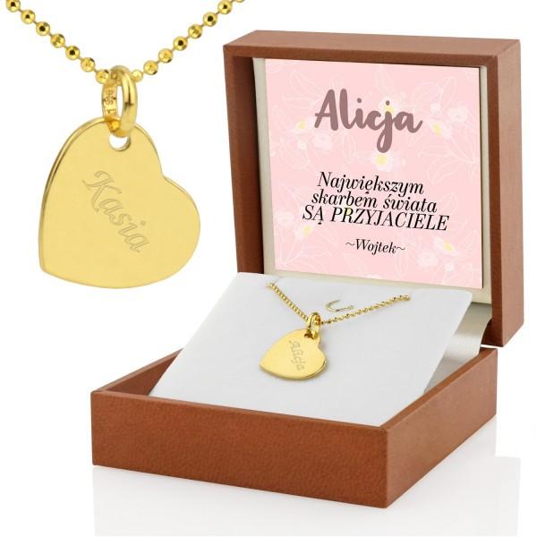 zawieszka serce na łańcuszku w pudełku z dedykacją na prezent dla przyjaciółki