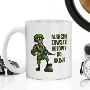 kubek z nadrukiem na prezent dla żołnierza gotowy do akcji