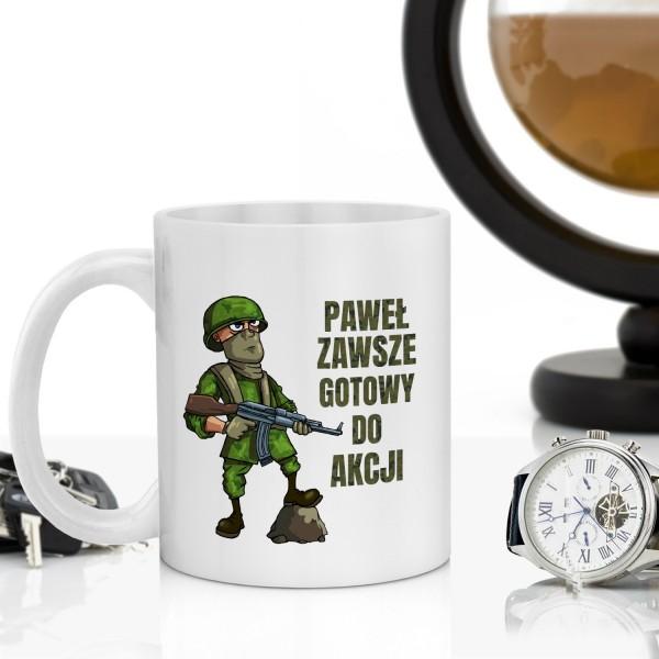 kubek z personalizacją na prezent dla żołnierza zawodowego gotowy do akcji