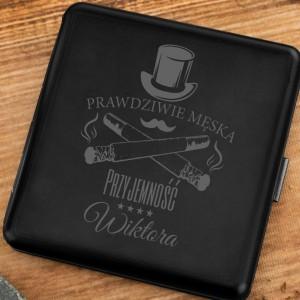 papierośnica etui czarna z grawerem na oryginalny prezent męska przyjemność
