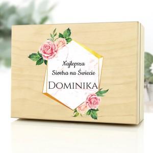 drewniane pudełko z dedykacją na prezent dla siostry na urodziny złota siostra