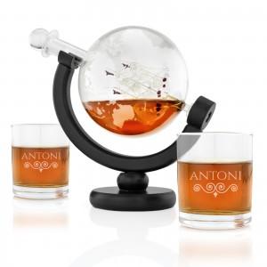 karafka na whisky i szklanki z grawerem globus