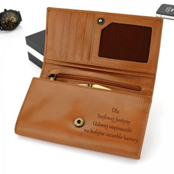 portfel z grawerem damski na prezent dla szefowej na pożegnanie