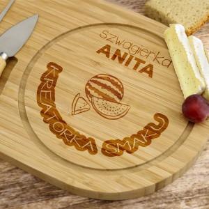 deska z grawerem do serwowania serów na prezent dla szwagierki na urodziny kreatorka