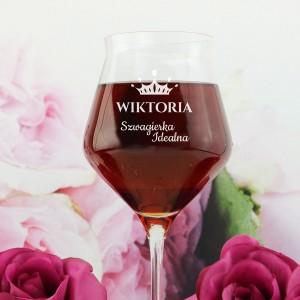 kieliszek do wina z grawerem na prezent dla bratowej na święta idealna szwagierka