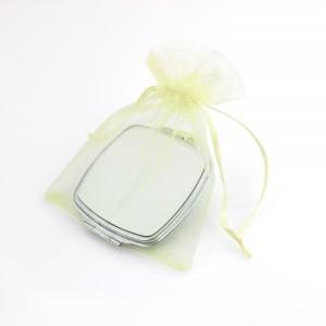 lusterko kieszonkowe w woreczku na upominek dla żony