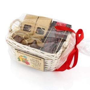 prezenty świąteczne biznesowe w koszach upominkowych z życzeniami