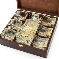 karafka ze szklankami w pudełku na prezent na 40 urodziny dla mężczyzny
