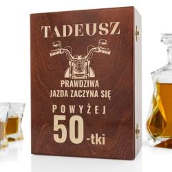 drewniana skrzynka z grawerem na oryginalny prezent na 50 urodziny