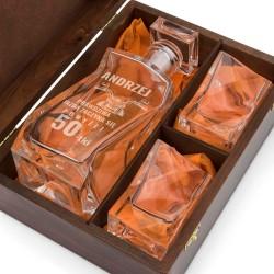 zestaw karafka ze szklankami na prezent na 50 urodziny dla przyjaciela