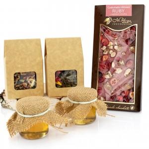 miody, herbaty i czekolada z śiatecznego zestawu herbat z dodatkami  - Miodowa Kraina na prezent dla babci