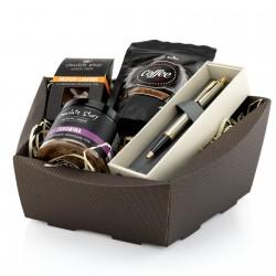 na upominek dla dziadka kawa, czekolada, konfitura i długopis w świątecznym koszu prezentowym - Czekoladowy Dotyk
