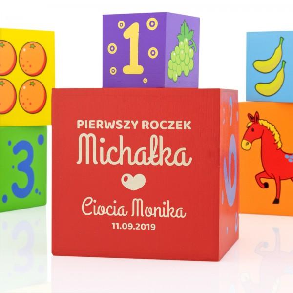 na prezent na roczek klocki z grawerem na prezent dla dziecka - Piramida