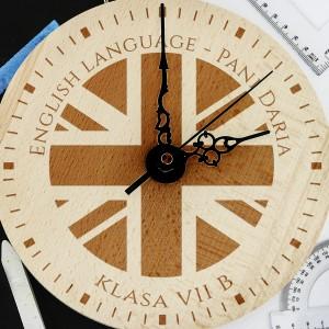 spersonalizowany zegar drewniany z grawerem