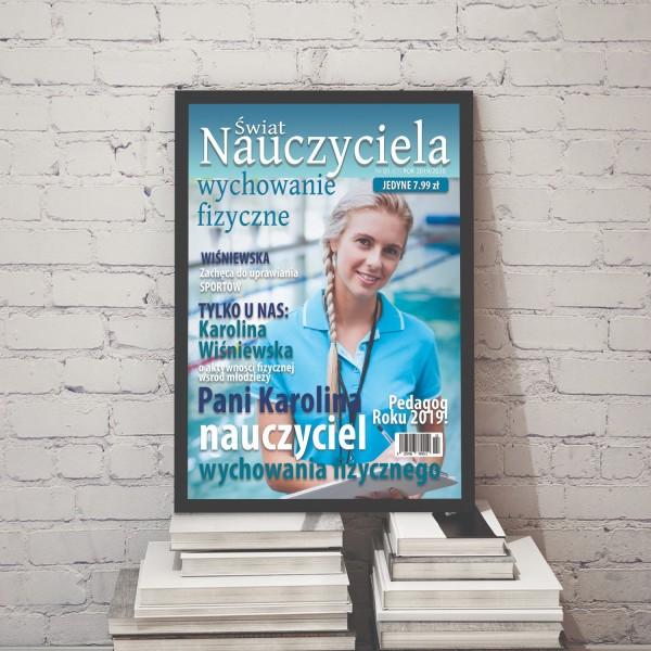 spersonalizowana okładka gazety w oszklonej ramie