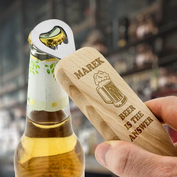 otwieracz drewniany do piwa z grawerem dla piwosza