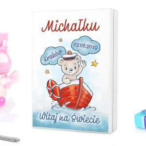skrzynka na sztućce z piękną kolorową grafiką na prezent świąteczny dla  dzieci