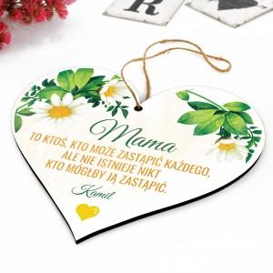 wykonana ze sklejki tabliczka w kształcie serca na zamówienie dla mamy