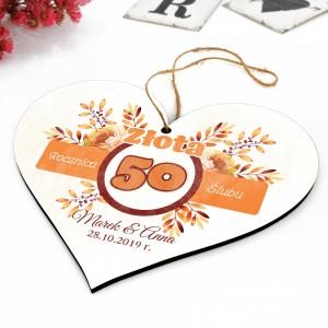 drewniana tabliczka z pamiątkowym nadrukiem na 50 rocznicę ślubu