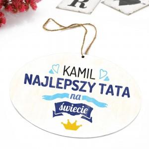 tabliczka z kolorową dedykacją i zawieszka na prezent dla taty na imieniny