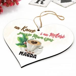 drewniana tabliczka z nadrukiem imienia na prezent dla miłośnika kawy