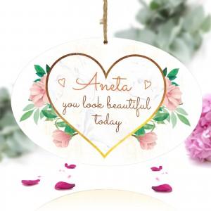 spersonalizowana tabliczka z nadrukiem kolorowej dedykacji na prezent na walentynki dla ukochanej