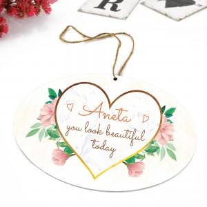 tabliczka z nadrukiem  dedykacji i zawieszką na prezent dla żony