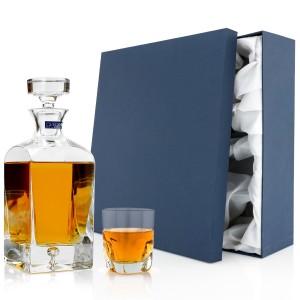 ekskluzywna karafka z grawerem, szklanka do whisky i eleganckie opakowanie prezentowe na prezent dla nowożeńców