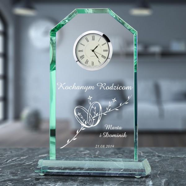 szklana statuetka z zegarem na prezent na podziękowanie weselne dla rodziców
