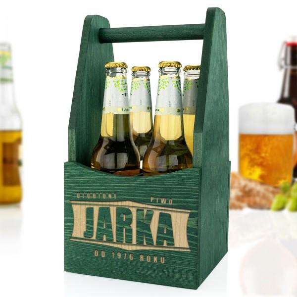 drewniana skrzynka na piwo z grawerem imienia
