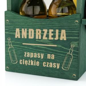 drewniana skrzynka na piwo z otwieraczem i grawerem dedykacji na prezent dla miłośnika piwa