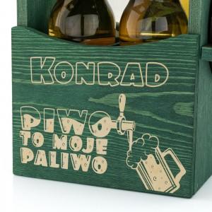 grawer dedykacji na drewnianej skrzynce na piwo z otwieraczem na prezent dla szwagra
