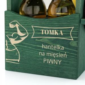 drewniana skrzynka na piwo z otwieraczem i grawerem dedykacji na prezent dla szwagra