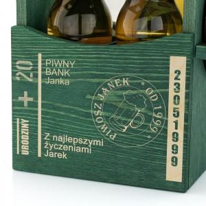 drewniana skrzynka na piwo z grawerem dedykacji na prezent dla miłośnika piwa