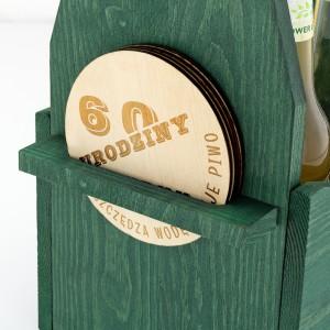 zielona skrzynka na piwo z 4 podkładkami na prezent na urodziny przyjaciela